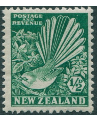 New Zealand 1935 SG556 ½d bright green Collered Grey Fantail MLH