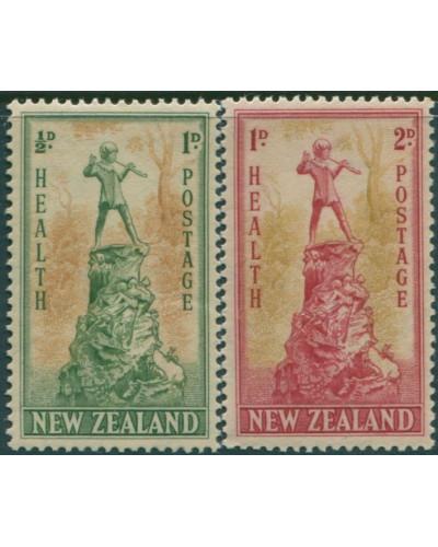 New Zealand 1945 SG665-666 Peter Pan Statue set MNH