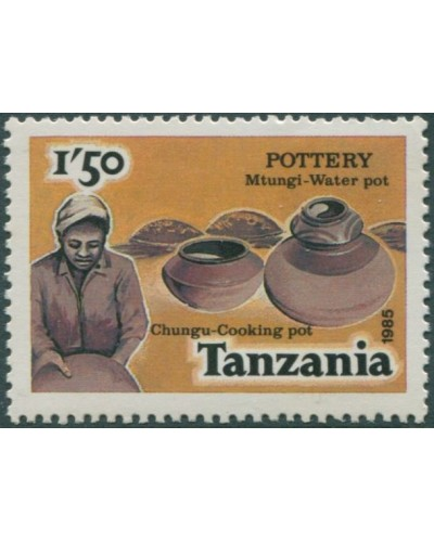 Tanzania 1985 SG440 1s.50 Cook and Water Pots MNH